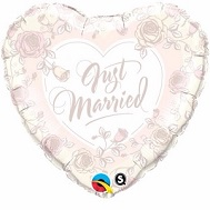 """18"""" Just Married Roses Mylar Balloon"""